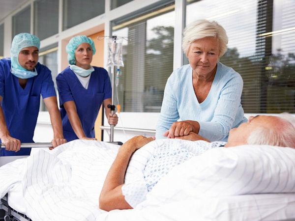 Пациент отправляется в операционную