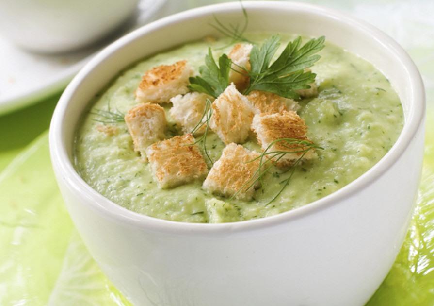 Суп и белые сухари