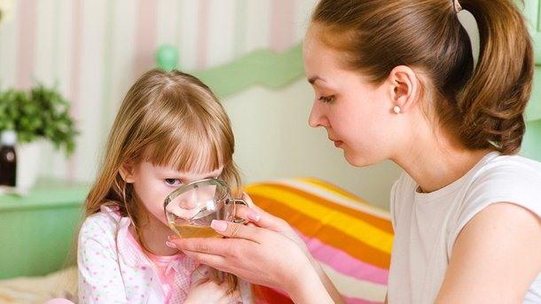 Питье ребенку