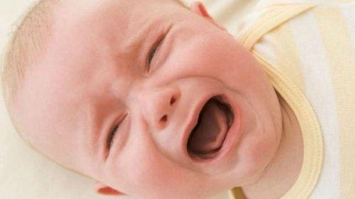 У ребенка болит живот над пупком и температура thumbnail