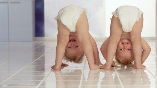 Дети в памперсах