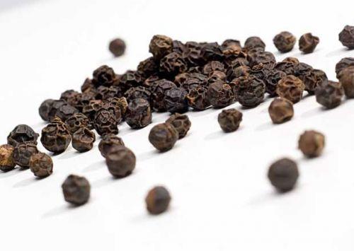 Горошины черного перца