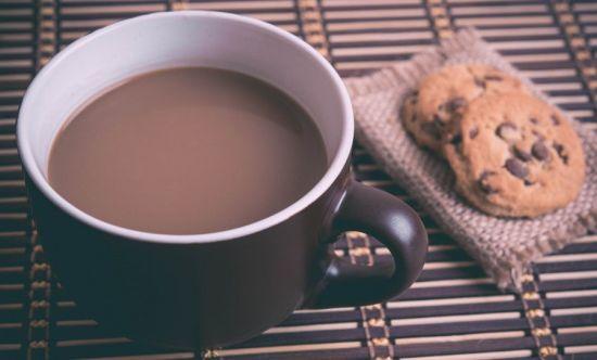 Чашка кофе и печенье