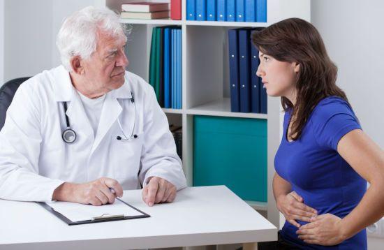 Жалоба врачу на боль в животе