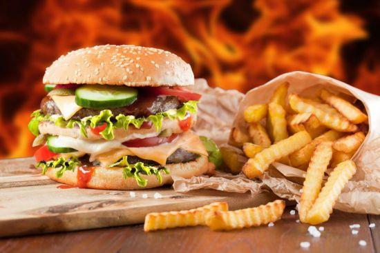 Гамбургер, картошка фри