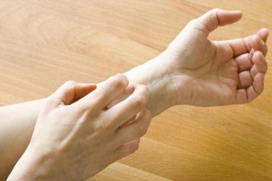 Чешется рука
