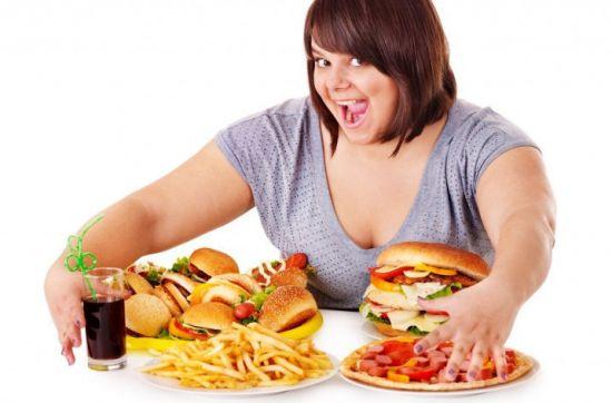 Жирная девушка с гамбургерами