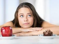 Выбор яблока или торта