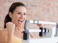 Девушка радуется своему весу